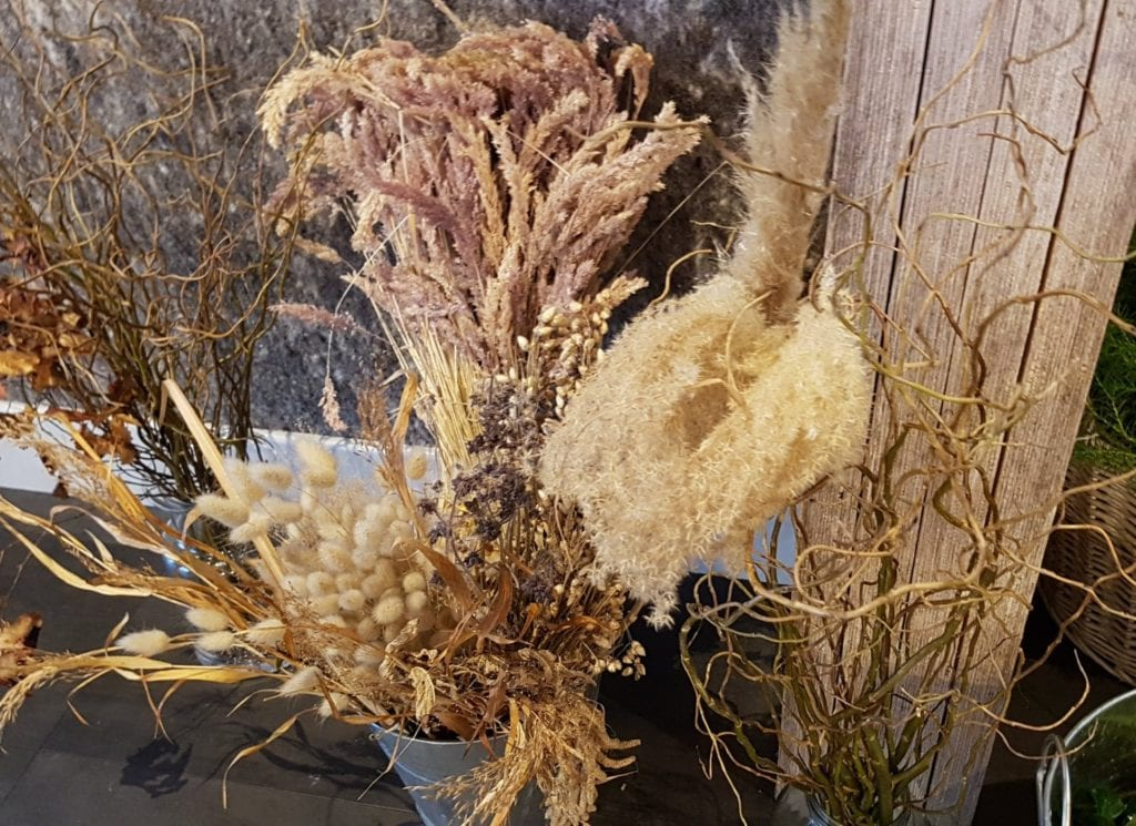Dried flowers for decoration | Festive wreath