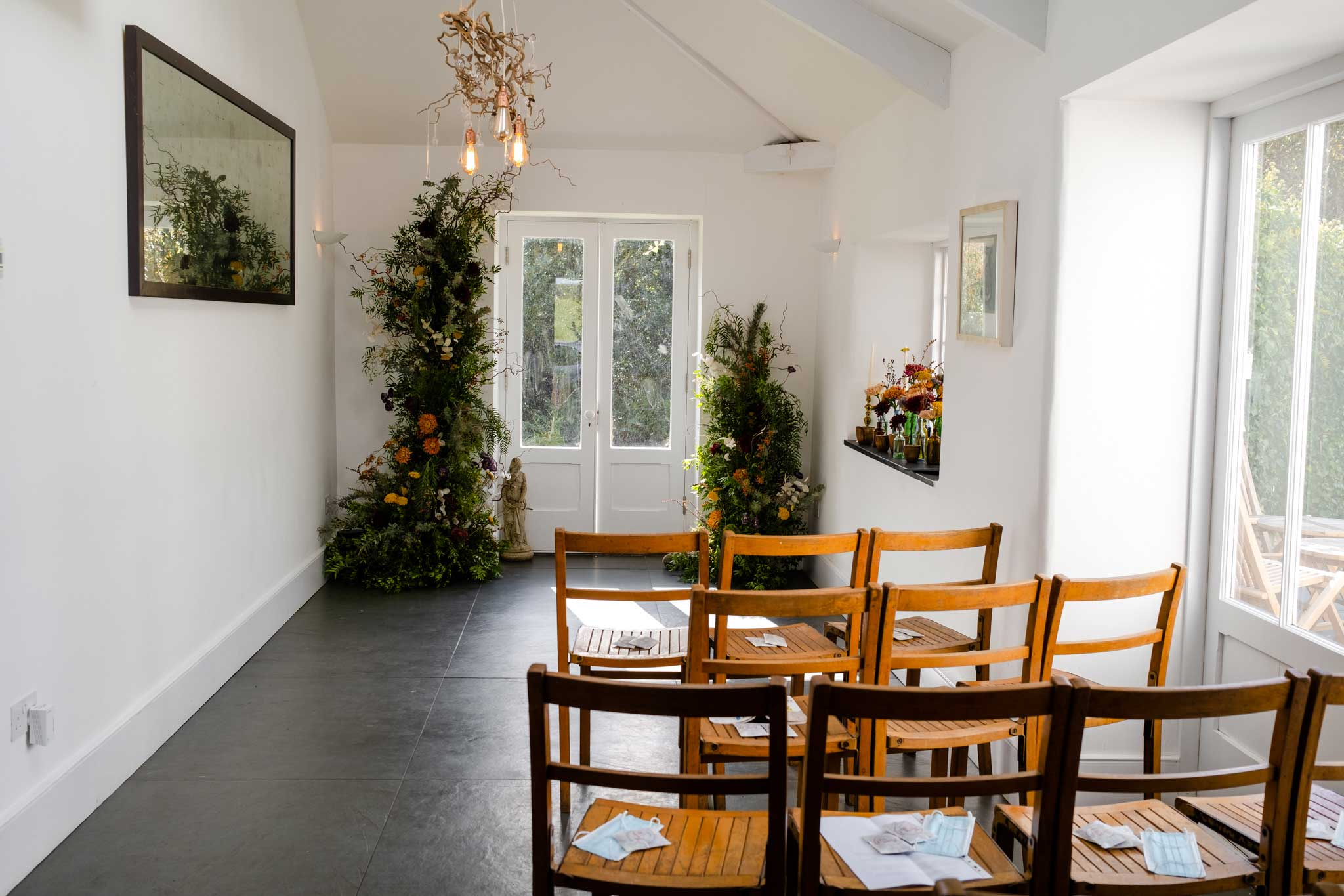 small wedding ceremony with autumn flowers