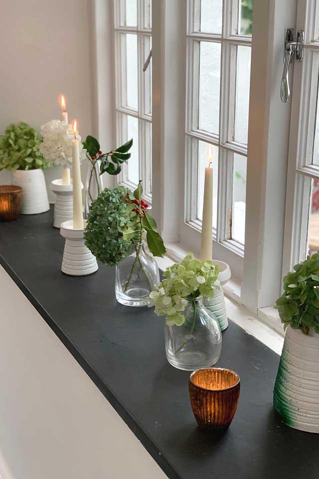 elegant windowsill decoration