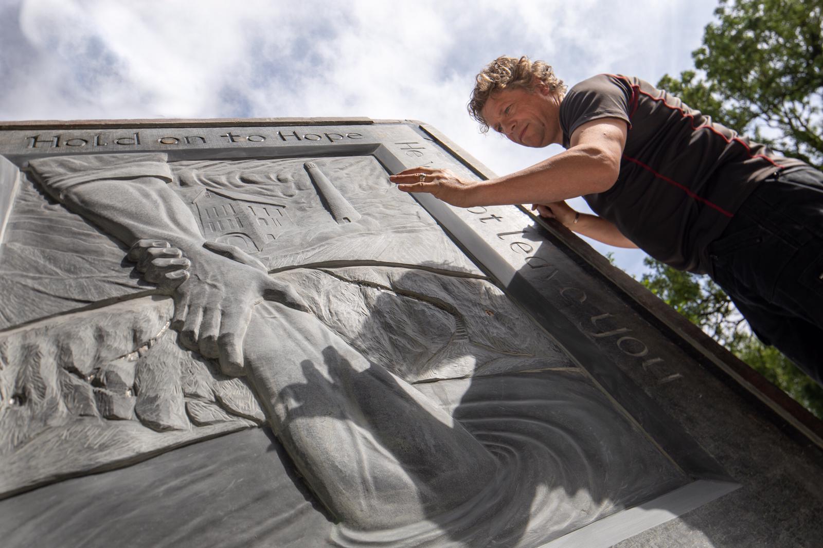 Ben Dearnley scultping Cornish slate