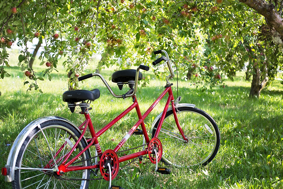 red tandem bike